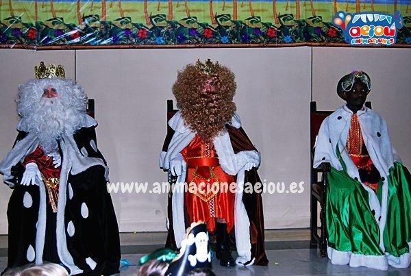 Contratar la visita de los Reyes Magos a domicilio en Galicia